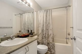 """Photo 19: 28 16388 85 Avenue in Surrey: Fleetwood Tynehead Townhouse for sale in """"Camelot"""" : MLS®# R2474467"""