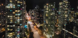 """Photo 16: 1902 1288 W GEORGIA Street in Vancouver: West End VW Condo for sale in """"RESIDENCES ON GEORGIA"""" (Vancouver West)  : MLS®# R2625011"""