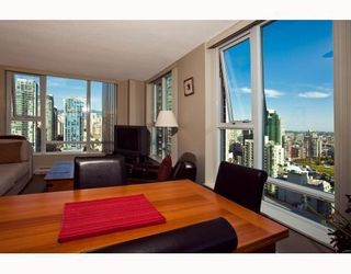 Photo 3: # 2208 550 PACIFIC ST in Vancouver: Condo for sale : MLS®# V782944