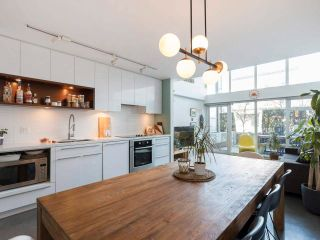 """Photo 12: 274 E 2ND Avenue in Vancouver: Mount Pleasant VE Townhouse for sale in """"JACOBSEN"""" (Vancouver East)  : MLS®# R2572730"""