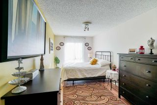 """Photo 15: 302 9952 149 Street in Surrey: Guildford Condo for sale in """"TALL TIMBERS"""" (North Surrey)  : MLS®# R2492246"""