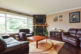 Photo 3: 27179 28A Avenue in Langley: Aldergrove Langley House for sale : MLS®# R2280410