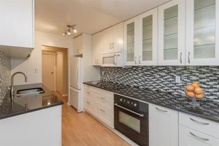 """Photo 8: 506 9867 MANCHESTER Drive in Burnaby: Cariboo Condo for sale in """"BARCLAY WOODS"""" (Burnaby North)  : MLS®# R2594808"""