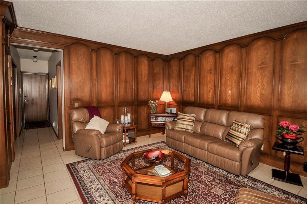 Photo 13: Photos: 52 BERKSHIRE Road NW in Calgary: Beddington Heights House for sale : MLS®# C4105449