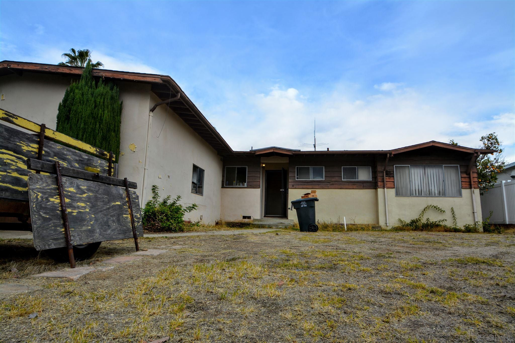 Main Photo: LA MESA House for sale : 3 bedrooms : 6105 Samuel Street