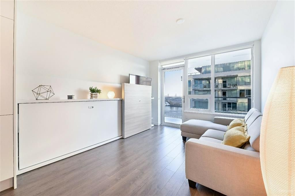 Photo 5: Photos: 2406 - 908 Quayside Drive in New Westminster: Quay Condo for sale
