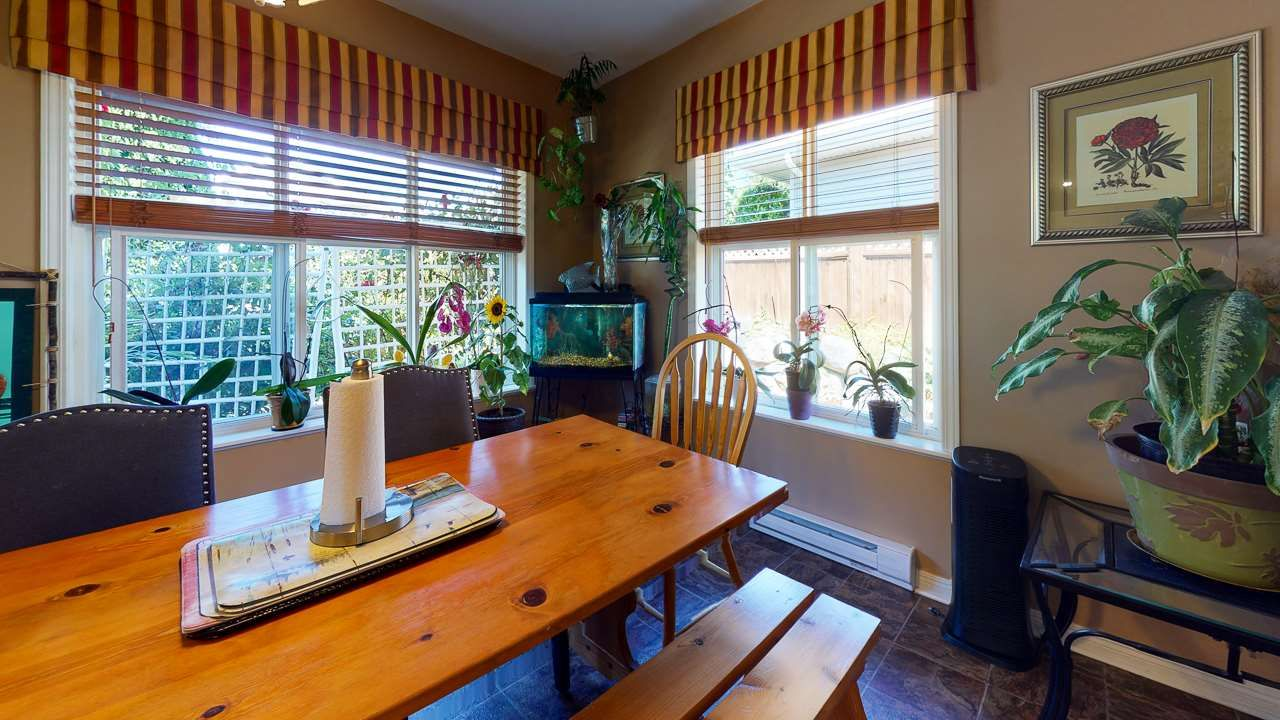 Photo 9: Photos: 5682 CASCADE Crescent in Sechelt: Sechelt District House for sale (Sunshine Coast)  : MLS®# R2488807
