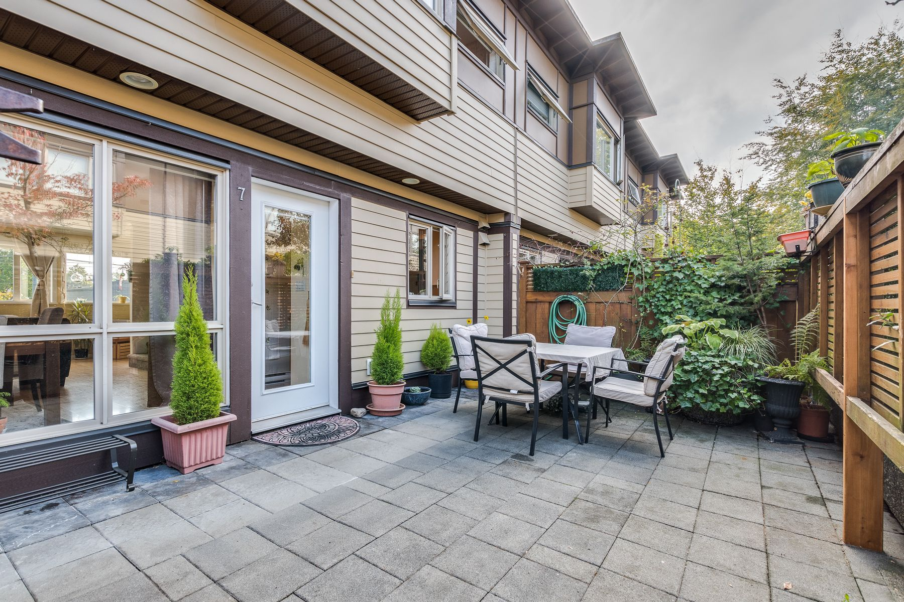 Photo 3: Photos: 7-2389 Charles St in Vancouver: Grandview Woodland Townhouse for sale (Vancouver East)