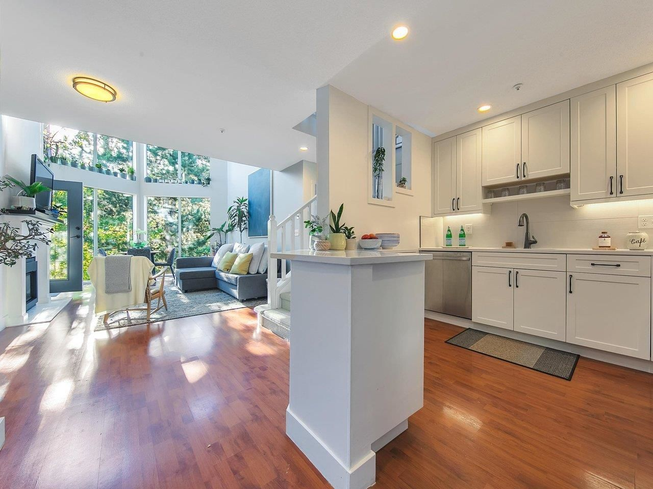 Main Photo: 504 60 RICHMOND Street in New Westminster: Fraserview NW Condo for sale : MLS®# R2615890