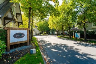 """Main Photo: 60 6465 184A Street in Surrey: Cloverdale BC Townhouse for sale in """"ROSEBURY LANE"""" (Cloverdale)  : MLS®# R2627743"""
