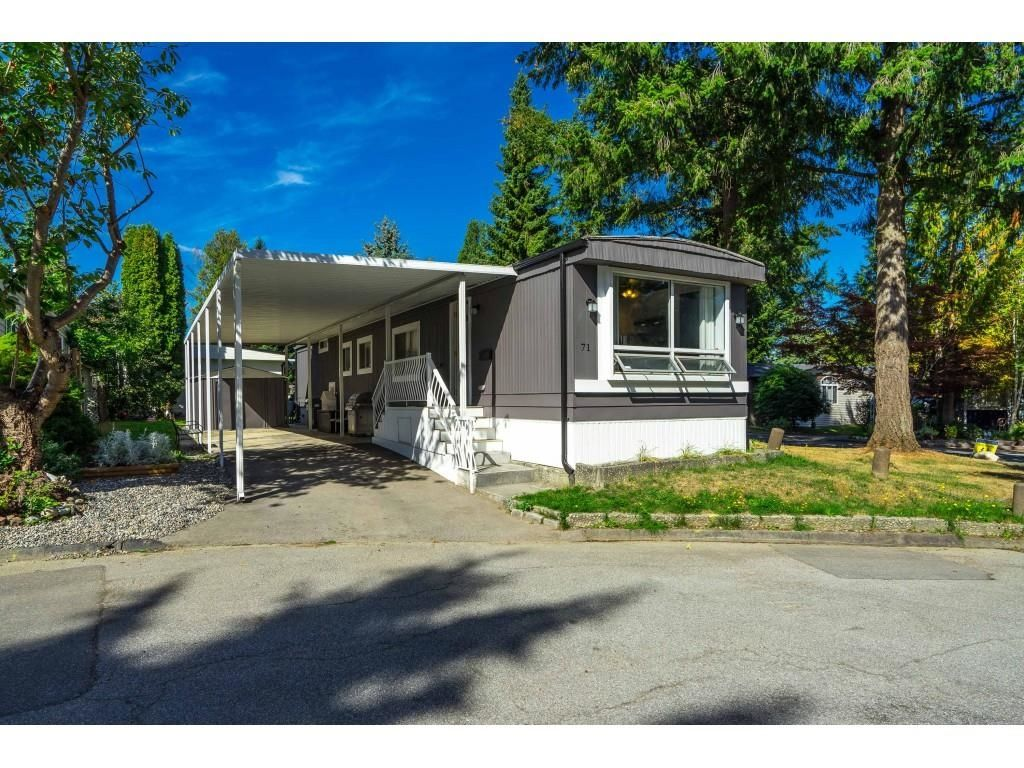 """Main Photo: 71 7790 KING GEORGE Boulevard in Surrey: East Newton Manufactured Home for sale in """"CRISPEN BAY"""" : MLS®# R2615871"""