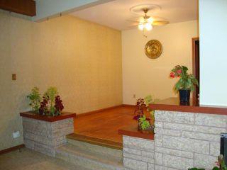 Photo 2: 591 ANDREWS Street in WINNIPEG: North End Residential for sale (North West Winnipeg)  : MLS®# 1214838