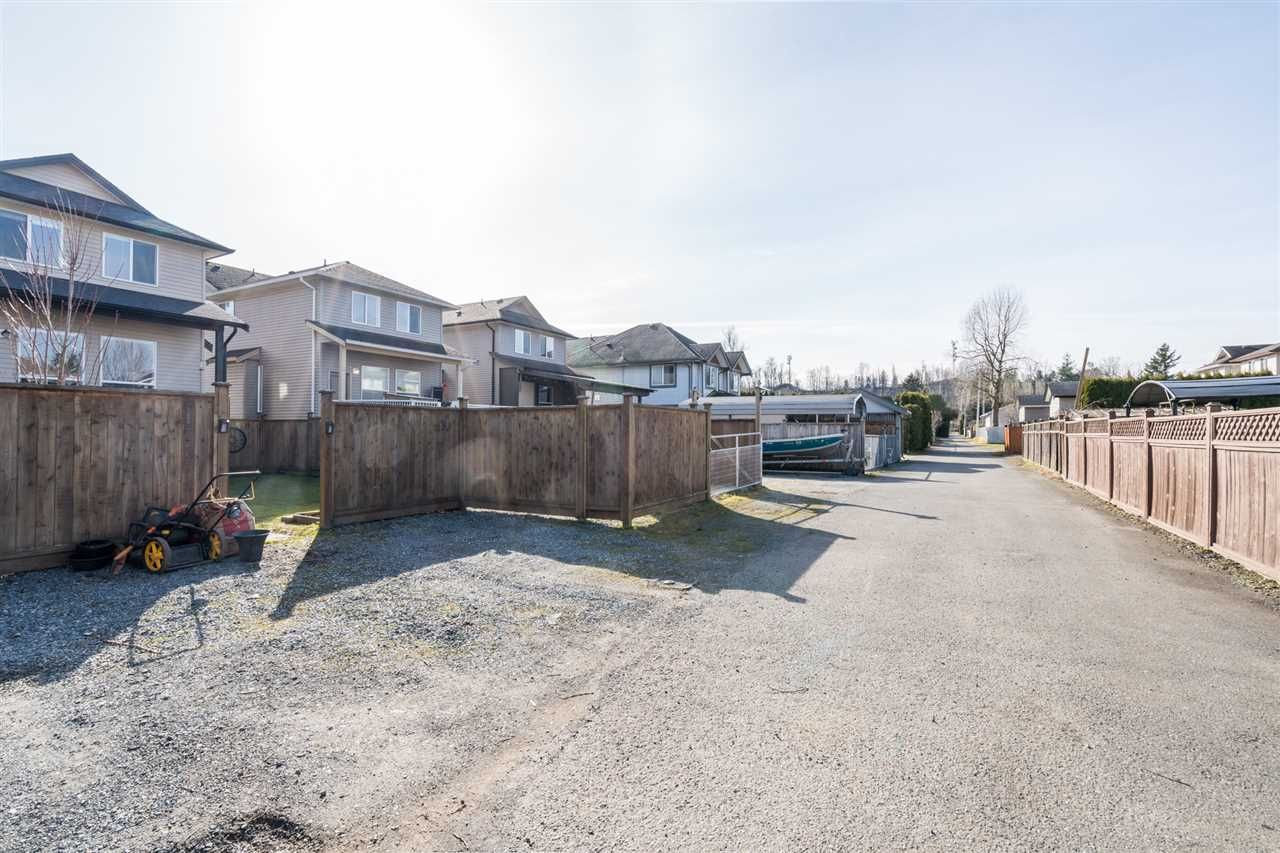 """Photo 31: Photos: 34777 1ST Avenue in Abbotsford: Poplar House for sale in """"Huntingdon Village"""" : MLS®# R2545017"""