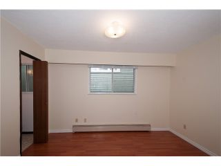 """Photo 8: 446 448 E 44TH Avenue in Vancouver: Fraser VE House for sale in """"Main Street"""" (Vancouver East)  : MLS®# V1088121"""