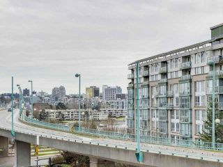 "Photo 6: 584 87 NELSON Street in Vancouver: Yaletown Condo for sale in ""THE ARC"" (Vancouver West)  : MLS®# R2542378"