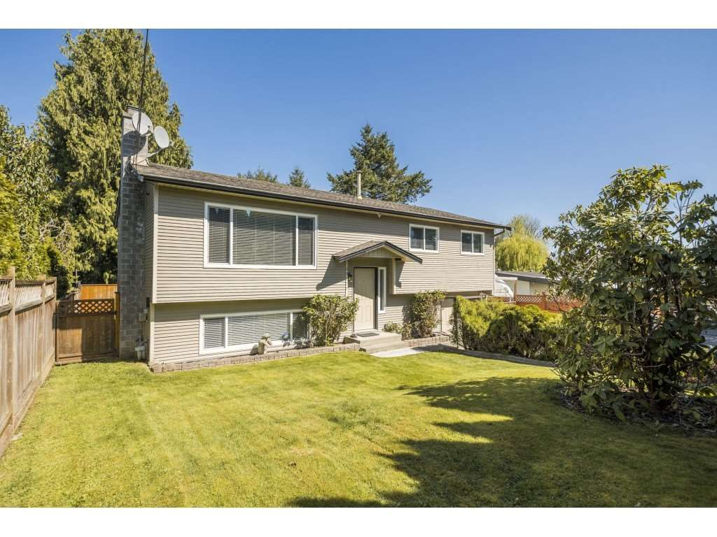 Main Photo: 26677 29 Avenue in Langley: Aldergrove Langley House for sale : MLS®# R2567945