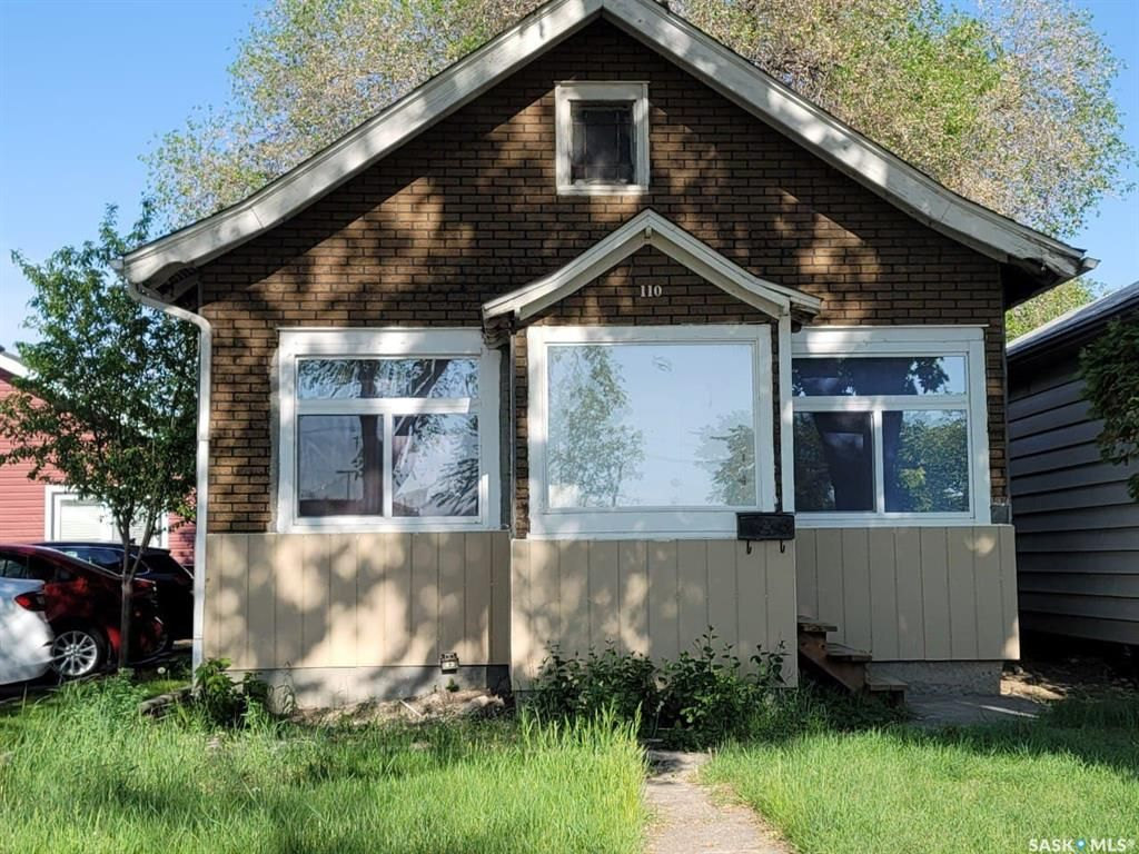 Main Photo: 110 F Avenue South in Saskatoon: Riversdale Residential for sale : MLS®# SK858625
