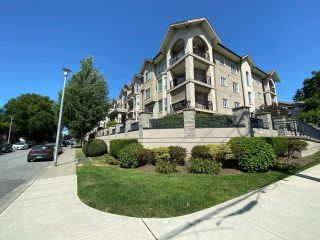 """Photo 3: 203 20281 53A Avenue in Langley: Langley City Condo for sale in """"GIBBONS LAYNE"""" : MLS®# R2601988"""