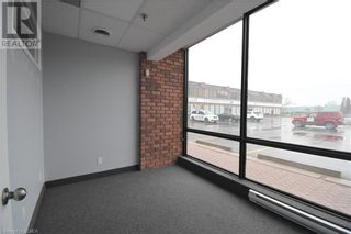 Photo 5: 55 MARY Street Unit# 112 in Lindsay: Other for lease : MLS®# 40100037