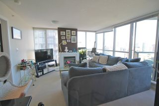 """Photo 2: 1804 1199 SEYMOUR Street in Vancouver: Downtown VW Condo for sale in """"BRAVA"""" (Vancouver West)  : MLS®# R2058991"""