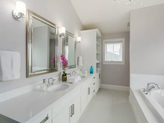 Photo 11: 335 E 20th St in North Vancouver: Central Lonsdale House for sale : MLS®# V1124625