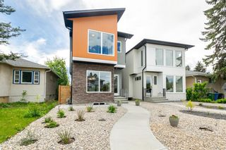 Photo 2: 1635 23 Avenue NW in Calgary: Capitol Hill Detached for sale : MLS®# A1117100