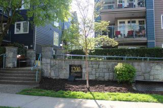 """Photo 2: 403 1200 EASTWOOD Street in Coquitlam: North Coquitlam Condo for sale in """"LAKESIDE TERRACE"""" : MLS®# R2484814"""