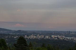 Photo 5: 1124 HILLSIDE Road in West Vancouver: British Properties House for sale : MLS®# R2613844