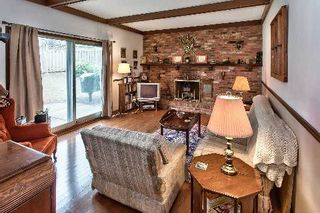 Photo 5: 151 Castle Crest in Oakville: Eastlake House (2-Storey) for sale : MLS®# W2882066
