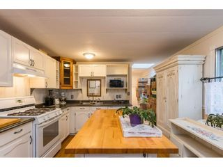 """Photo 8: 280 1840 160 Street in Surrey: King George Corridor Manufactured Home for sale in """"BREAKAWAY BAYS"""" (South Surrey White Rock)  : MLS®# R2517093"""