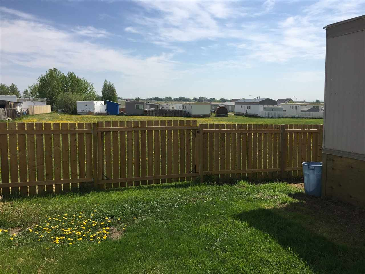 """Photo 3: Photos: 41 8420 ALASKA Road in Fort St. John: Fort St. John - City SE Manufactured Home for sale in """"PEACE COUNTRY MOBILE HOME PARK"""" (Fort St. John (Zone 60))  : MLS®# R2069792"""