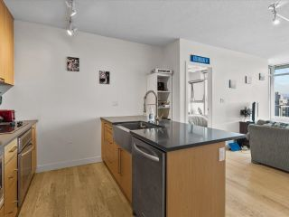 """Photo 4: 801 251 E 7TH Avenue in Vancouver: Mount Pleasant VE Condo for sale in """"District"""" (Vancouver East)  : MLS®# R2621042"""