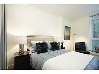 """Photo 9: 1103 1499 W PENDER Street in Vancouver: Coal Harbour Condo for sale in """"WEST PENDER PLACE"""" (Vancouver West)  : MLS®# V1054615"""