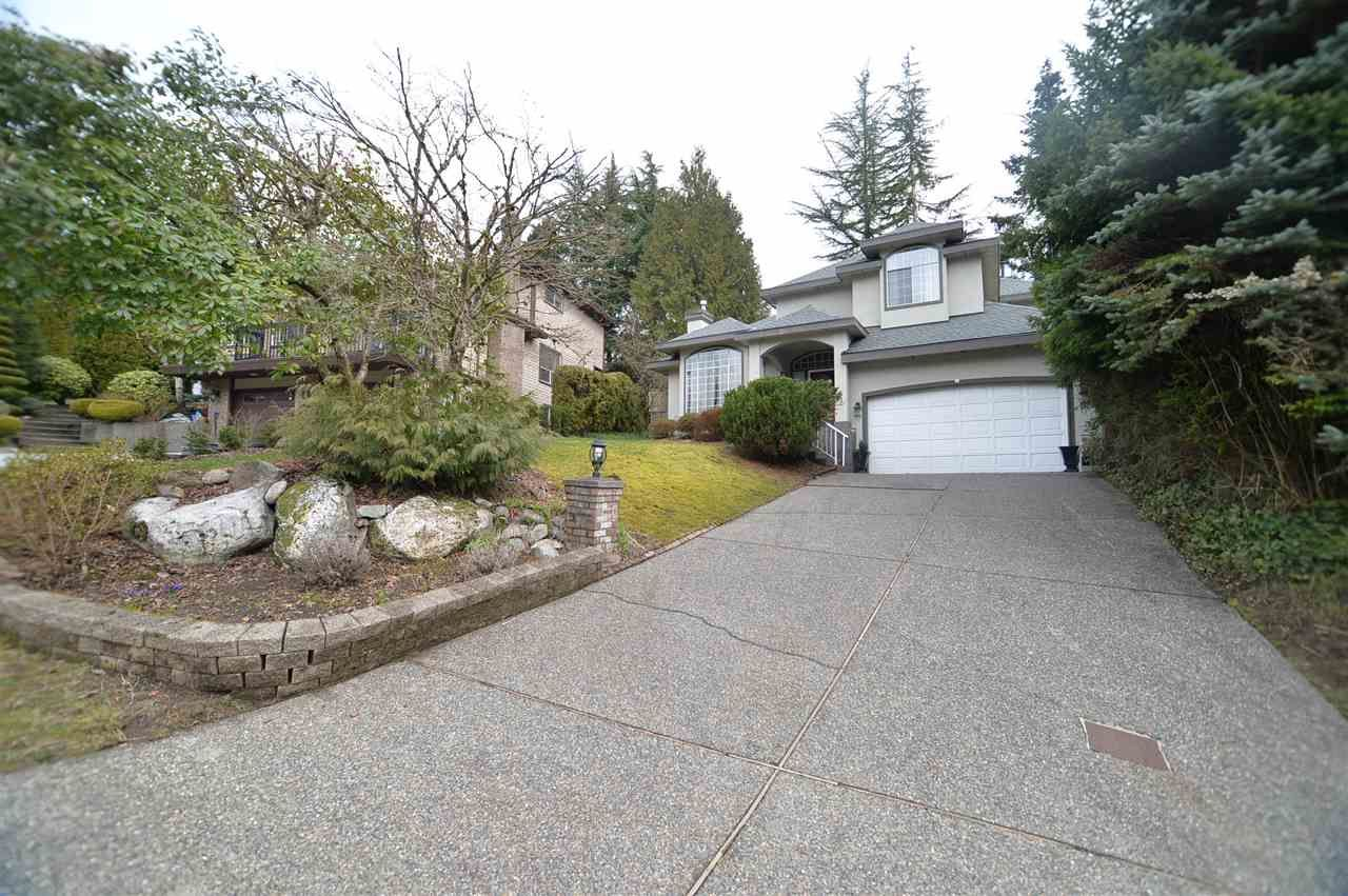 Main Photo: 3 LAUREL Place in Port Moody: Heritage Mountain House for sale : MLS®# R2545380
