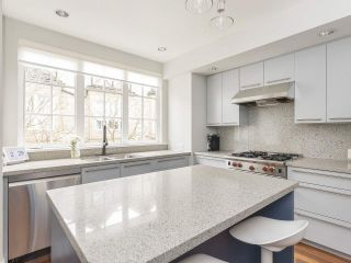 """Photo 14: 908 W 13TH Avenue in Vancouver: Fairview VW Townhouse for sale in """"Brownstone"""" (Vancouver West)  : MLS®# R2546994"""