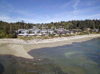 "Photo 4: 5396 WAKEFIELD BEACH Lane in Sechelt: Sechelt District Townhouse for sale in ""Wakefield Beach - Phase 1"" (Sunshine Coast)  : MLS®# R2135768"