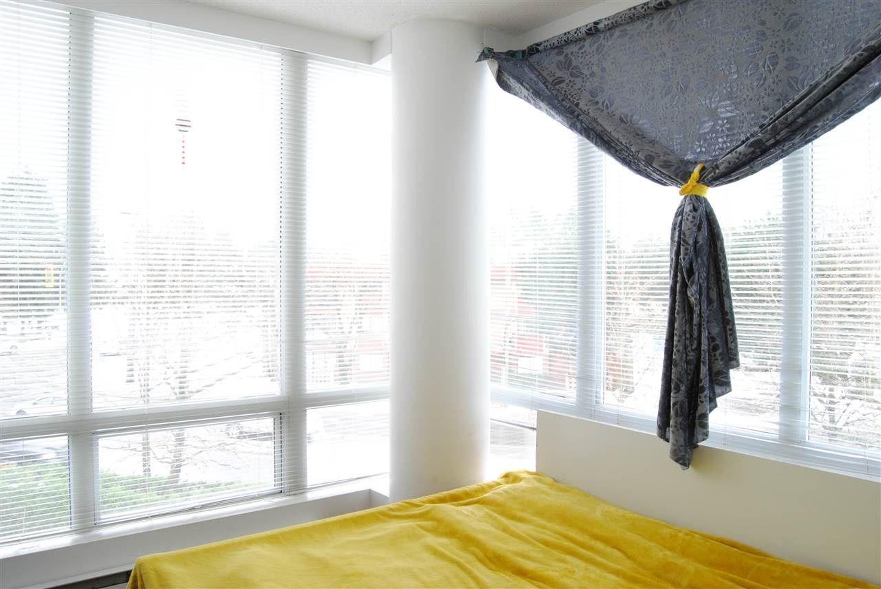"""Photo 9: Photos: 301 14820 104TH Avenue in Surrey: Guildford Condo for sale in """"CAMELOT"""" (North Surrey)  : MLS®# R2128065"""