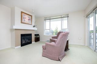 "Photo 3: 415 7089 MONT ROYAL Square in Vancouver: Champlain Heights Condo for sale in ""CHAMPLAIN VILLAGE"" (Vancouver East)  : MLS®# R2394689"