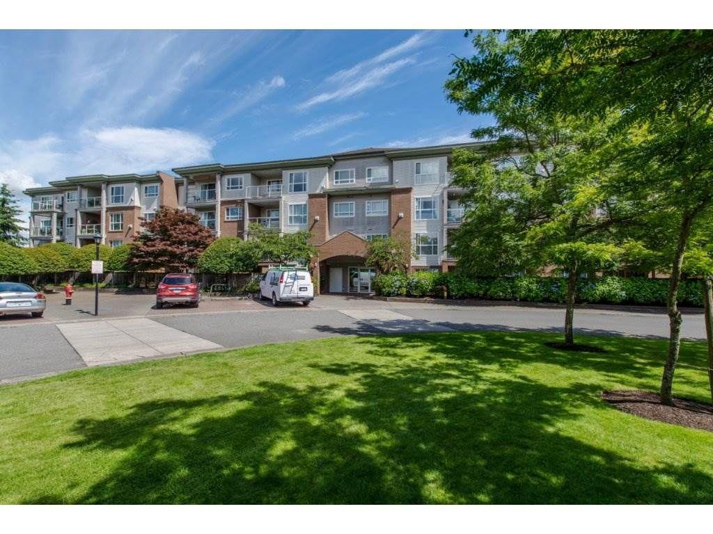 Main Photo: 306 15895 84 Avenue in Surrey: Fleetwood Tynehead Condo for sale : MLS®# R2081213