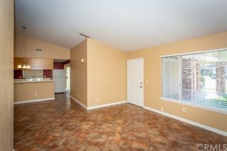 Photo 4: House for sale : 4 bedrooms : 39552 Crystal Lake Court in Murrieta