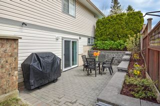 Photo 14: 6408 180TH Street in Surrey: Cloverdale BC House for sale (Cloverdale)  : MLS®# R2159473
