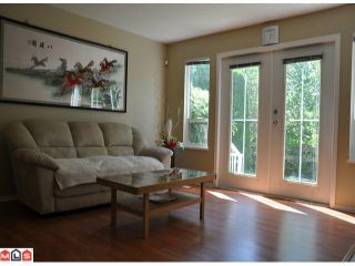 """Photo 2: 10 15488 101A Avenue in Surrey: Guildford Townhouse for sale in """"COBBLEFIELD LANE"""" (North Surrey)  : MLS®# F1219842"""