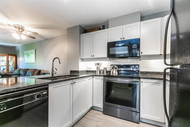 Main Photo: 203 625 Park Crescent in New Westminster: GlenBrooke North Condo for sale : MLS®# R2599103