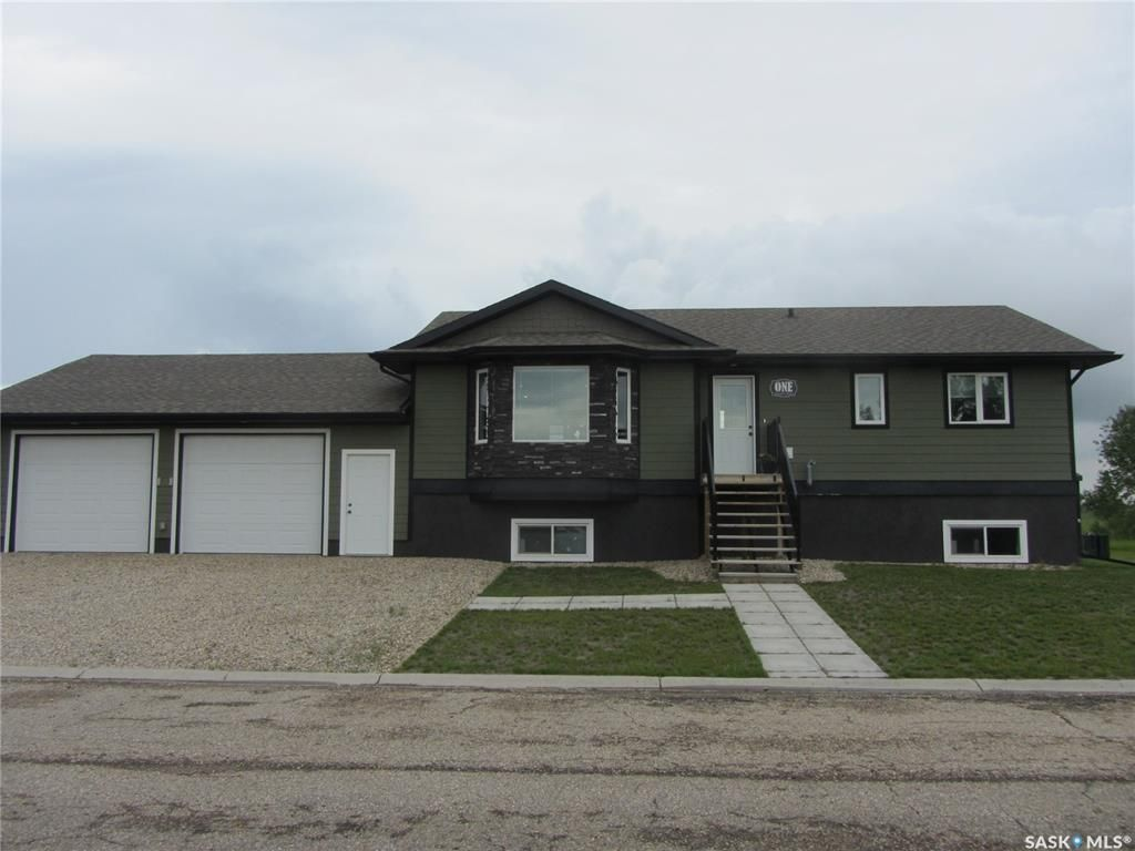 Main Photo: 1 Clement Road in Lanigan: Residential for sale : MLS®# SK862922