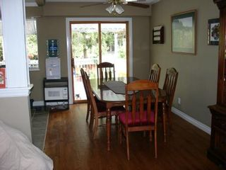 Photo 5: Great Family Home!!