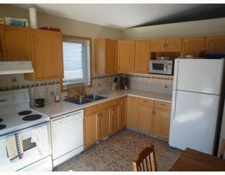 Photo 2: 112 LEON BELL Drive in WINNIPEG: Fort Garry / Whyte Ridge / St Norbert Residential for sale (South Winnipeg)  : MLS®# 2916039