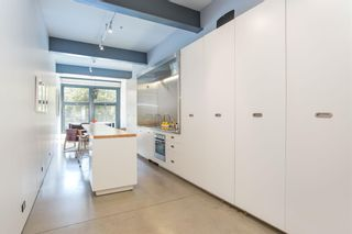 """Photo 18: 303 53 W HASTINGS Street in Vancouver: Downtown VW Condo for sale in """"Paris Block"""" (Vancouver West)  : MLS®# R2600726"""