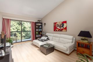 """Photo 2: 308 1515 E 5TH Avenue in Vancouver: Grandview VE Condo for sale in """"Woodland Place"""" (Vancouver East)  : MLS®# R2202256"""