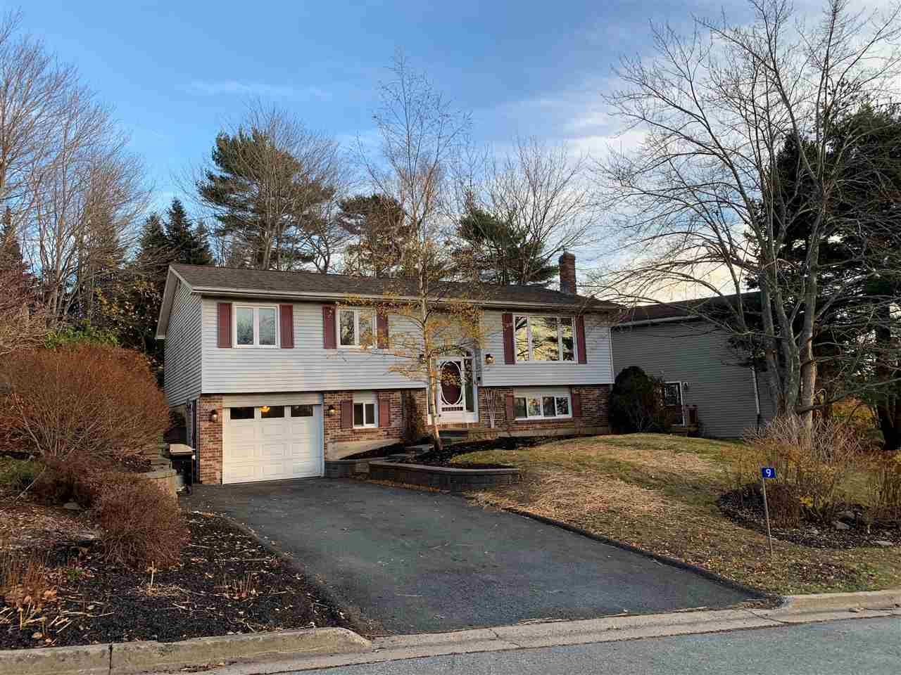 Main Photo: 9 Kennedy Court in Bedford: 20-Bedford Residential for sale (Halifax-Dartmouth)  : MLS®# 202024227