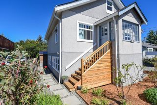 Photo 3: 2770 Maryport Ave in : CV Cumberland House for sale (Comox Valley)  : MLS®# 853830
